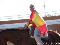 93. Como Lourdes no se bajaba del caballo, le tocó a Josebe abrir el paseíl
